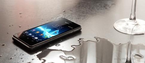 Sony hoãn bán Xperia V chống nước đến năm sau