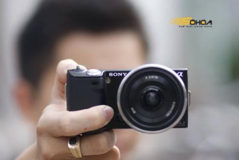 Sony NEX bị Olympus 'vượt mặt' vì thiếu ống kính