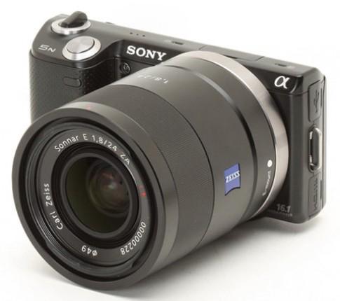 Sony ra 4 ống kính cho máy NEX và Alpha