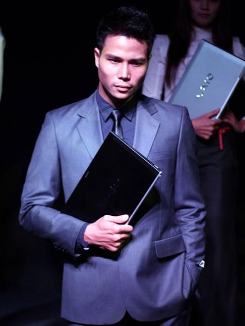 Sony Vaio Z đã cho đặt hàng, giá 64 triệu