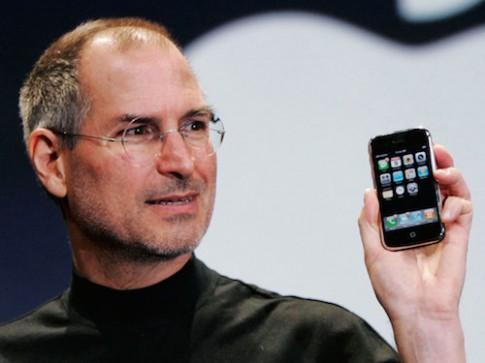Steve Jobs lần đầu tiên vắng mặt trong sự kiện ra mắt chiếc iPhone nào?
