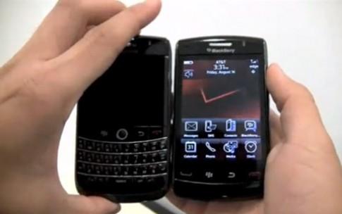 Storm 2 khoe dáng bên BlackBerry bàn phím cứng