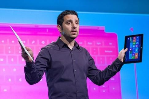 Surface Pro sẽ có vỏ bàn phím kiêm pin mở rộng
