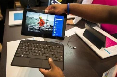 Tablet Surface mới có thể dùng màn hình 7,5 inch, giá 399 USD