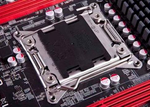 Tăng tốc máy tính cùng bo mạch chủ thông minh Foxconn
