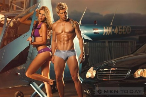 Tarrao Underwear mạnh mẽ với họa tiết hình xăm