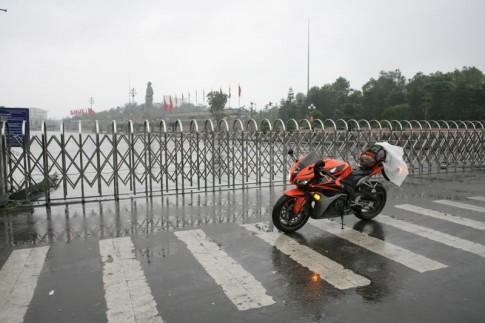 Tay lái gà thực hiện chuyến Hà Nội - Sài Gòn (chặng 2)