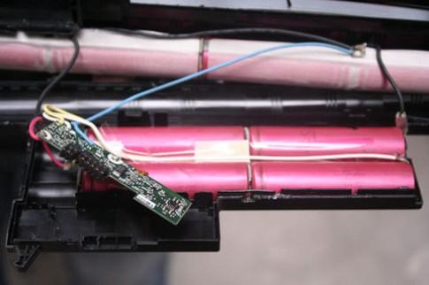 Thay cell cho pin laptop có nhiều rủi ro