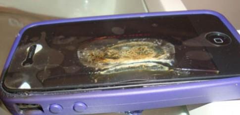 Thêm một vụ cháy iPhone 4 tại Brazil