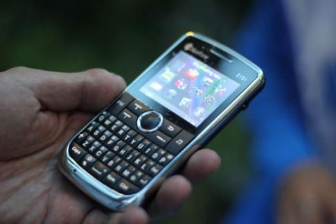 Thời điện thoại đa sim tới từ hãng lớn
