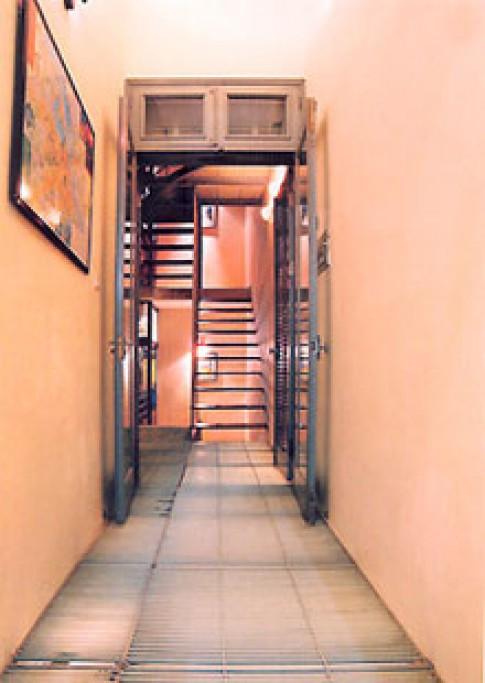 Thông thoáng cho nhà hẹp