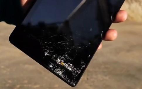 Thử độ bền máy tính bảng Nexus 7 thế hệ mới