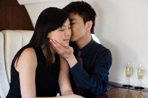 Thú nhận bất ngờ của cô vợ xinh đẹp khi rơi vào 'cám dỗ' tình cũ