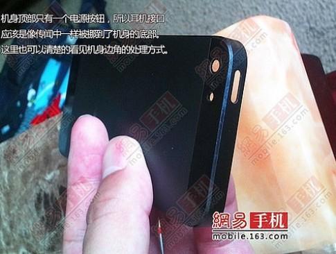Thuê vỏ iPhone 5 giá 7.800 USD một ngày