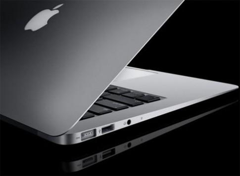 Tim Cook phủ nhận về máy tính lai MacBook Air và Pro