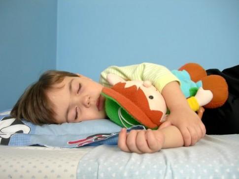 Trẻ cần ngủ đủ 10 tiếng mỗi ngày