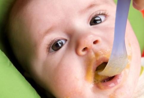 Trẻ nhỏ biếng ăn có thể uống men tiêu hóa?