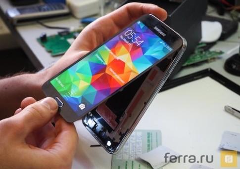 Video tháo tung điện thoại Galaxy S5