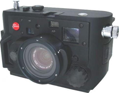 Vỏ chống nước cho Leica M8 giá 8.000 USD