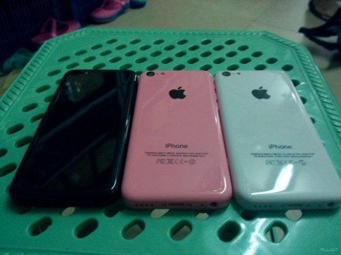 Vỏ và linh kiện iPhone 5S và 5C 'phơi bày' trên mạng