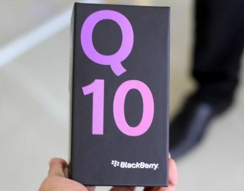 Xem ảnh đập hộp BlackBerry Q10 ở Việt Nam