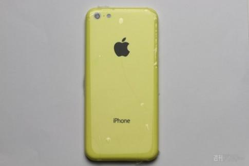 Xem ảnh về vỏ iPhone giá rẻ so sánh với iPhone 5