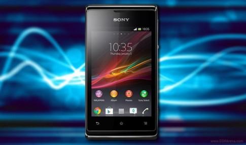 Xperia E gọi điện lâu hơn Galaxy S III Mini