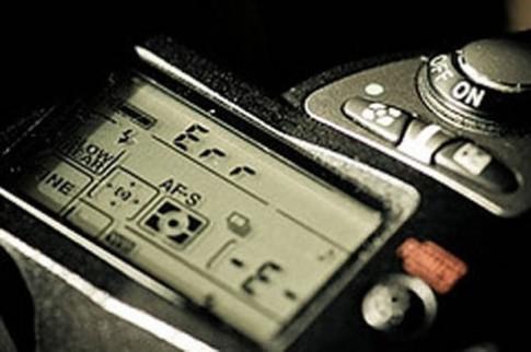 Xử lý thông báo lỗi trên Nikon DSLR