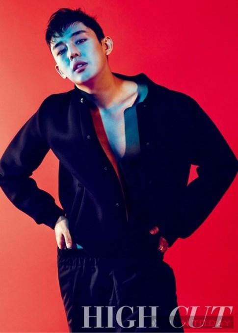 Yoo Ah In nam tính và hút hồn trên tạp chí High Cut