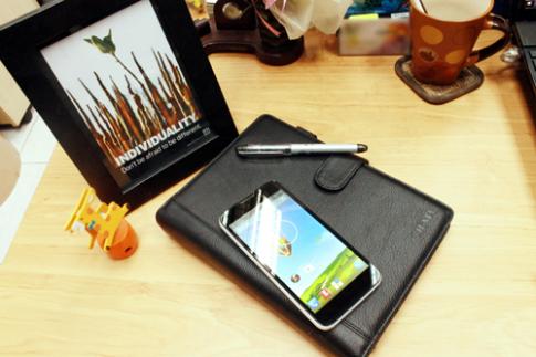 ZTE ra mắt thị trường Việt bằng phablet ZTE v967s
