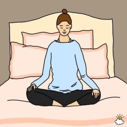 10 động tác yoga duỗi người nên thực hiện trước khi đi ngủ