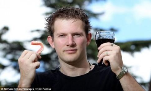 25 tuổi đã phải thay cả hàm răng vì thức uống nhà nào cũng có