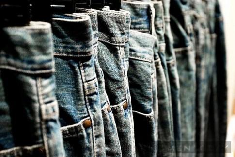 5 cách giúp quần jeans bền màu