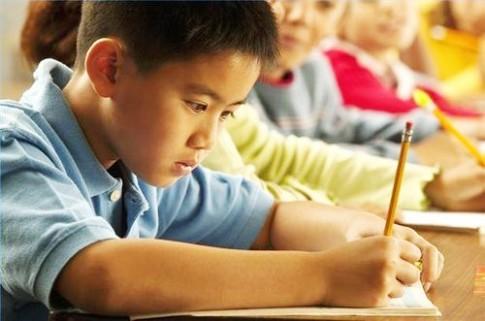 5 cách giúp trẻ thích ứng khi vào lớp 1