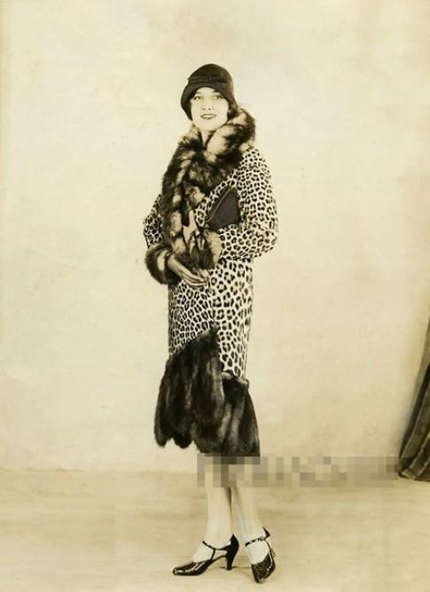 5 kiểu áo khoác chinh phục phái đẹp thập niên 1920-1960