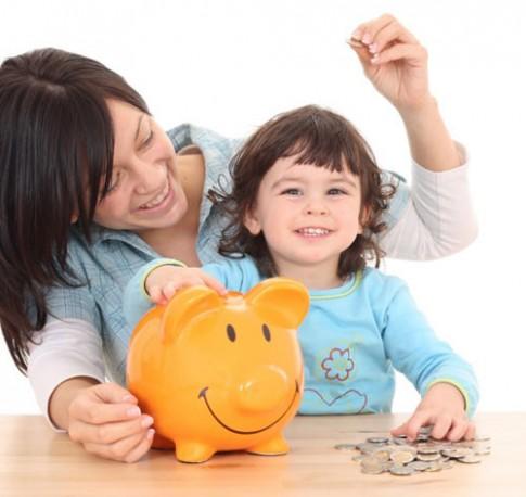 5 lỗi hay gặp của bố mẹ khi dạy con về tiền