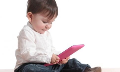5 tác hại khi trẻ dùng iPad