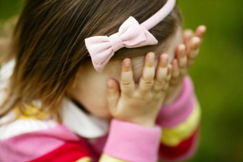 7 cách giúp trẻ vượt qua sự nhút nhát