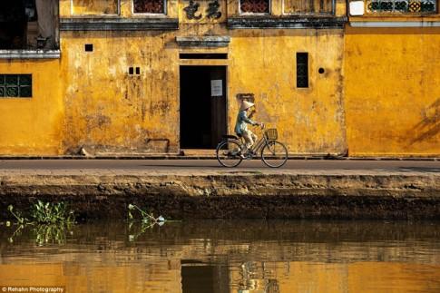 """8 năm ghi lại được hơn 50.000 bức ảnh Việt Nam từ hành trình """"phượt"""" trên xe máy"""