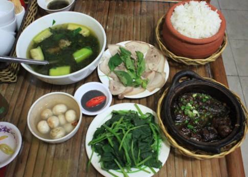 Ăn cơm Bắc giữa Sài Gòn
