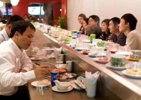 Ăn lẩu theo... băng chuyền tại nhà hàng Kichi Kichi-Hot Pot Bar