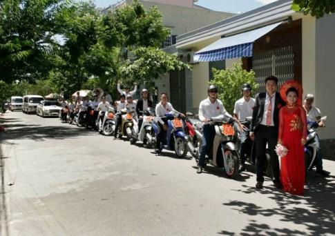 Anh em câu lạc bộ Honda SH đi rước dâu tại Đà Nẵng