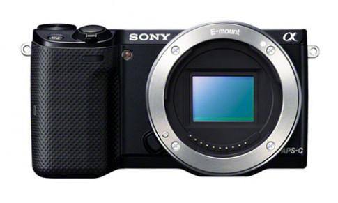 Ảnh NEX-5T và 3 ống kính E-mount của Sony xuất hiện