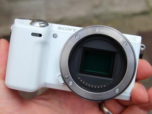 Ảnh thực tế máy ảnh có NFC - Sony NEX-5T