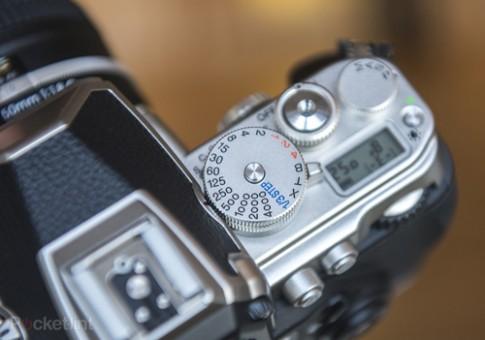 Ảnh thực tế máy ảnh dáng cổ điển Nikon Df