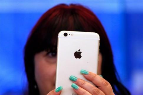 Apple lãi hàng tỷ USD với iPhone 16GB