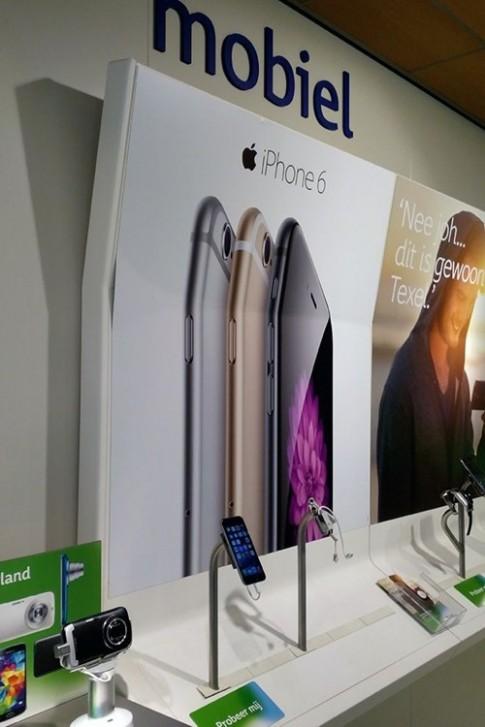 """Apple """"nổi điên"""" với tạp chí đăng video bẻ cong iPhone"""