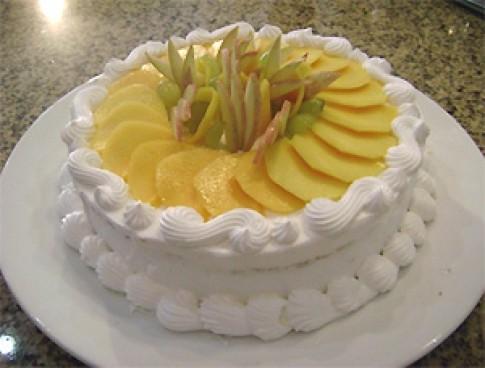 Bánh gatô hoa quả