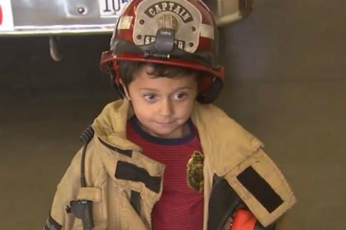 Bé 5 tuổi cứu gia đình khỏi hỏa hoạn sau 2 ngày học về phòng cháy