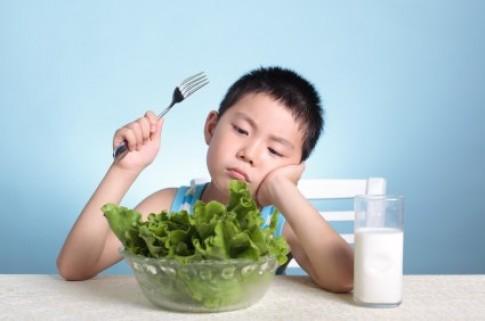 Bé 7 tuổi vẫn lười ăn, phải làm gì?